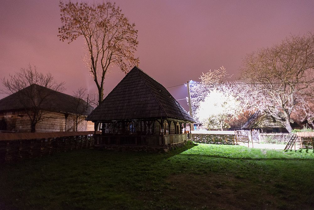 adelaparvu.com despre case din lemn maramuresene, case restaurate Maramures, Breb, Foto Dragos Asaftei (24)