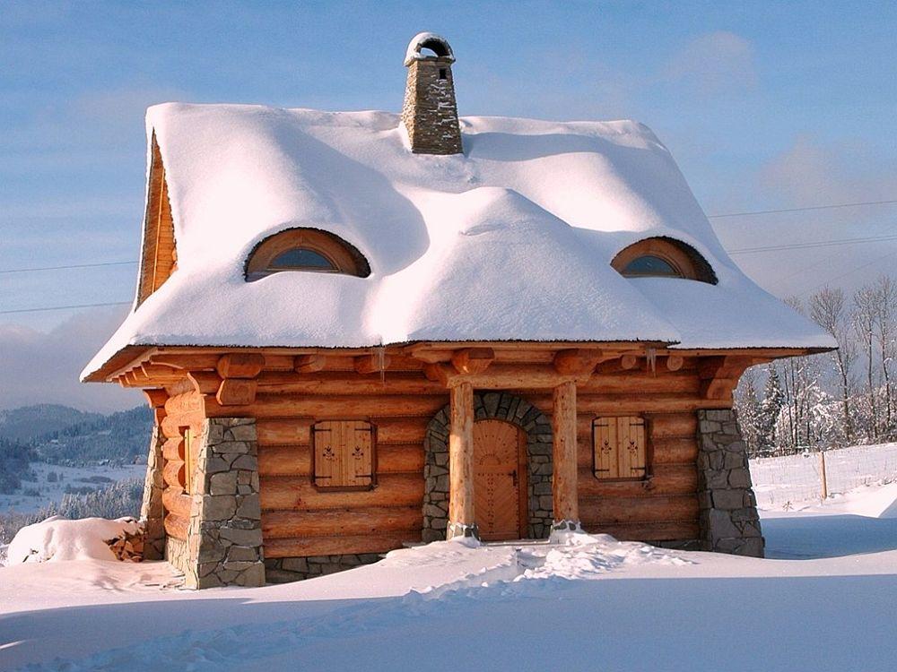 adelaparvu.com despre case rustice din busteni de lemn, case cu acoperis din stuf, case Polonia Osada Beskidzka (1)