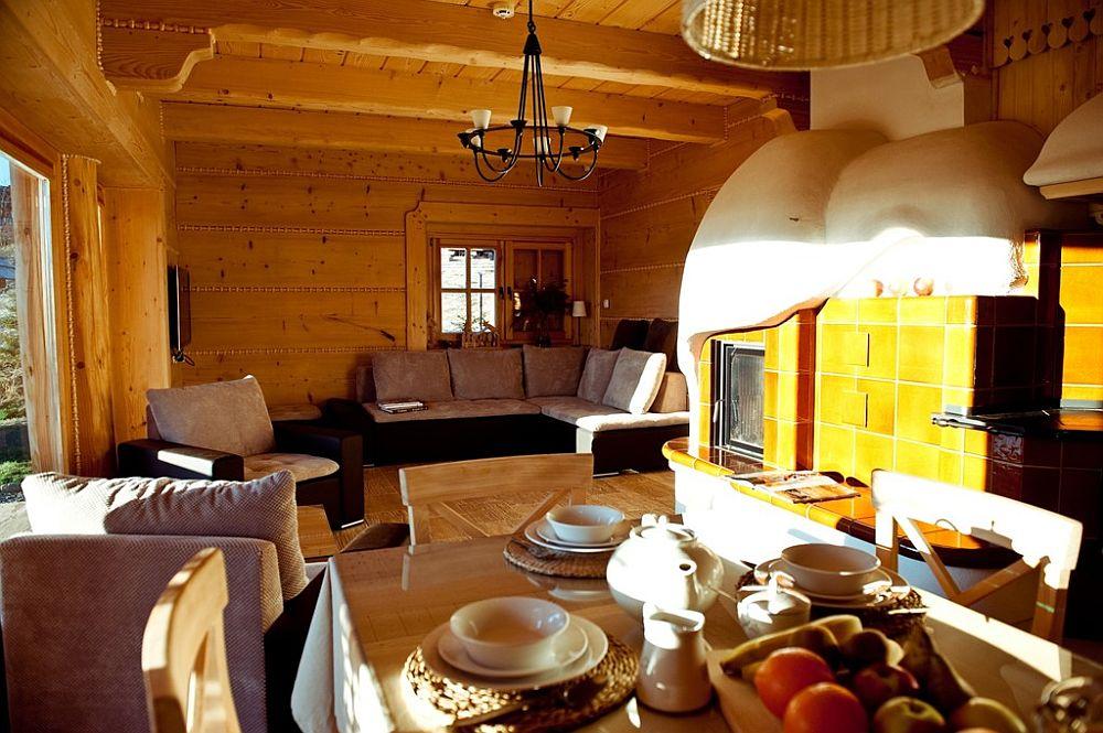 adelaparvu.com despre case rustice din busteni de lemn, case cu acoperis din stuf, case Polonia Osada Beskidzka (10)