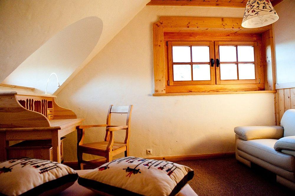 adelaparvu.com despre case rustice din busteni de lemn, case cu acoperis din stuf, case Polonia Osada Beskidzka (16)