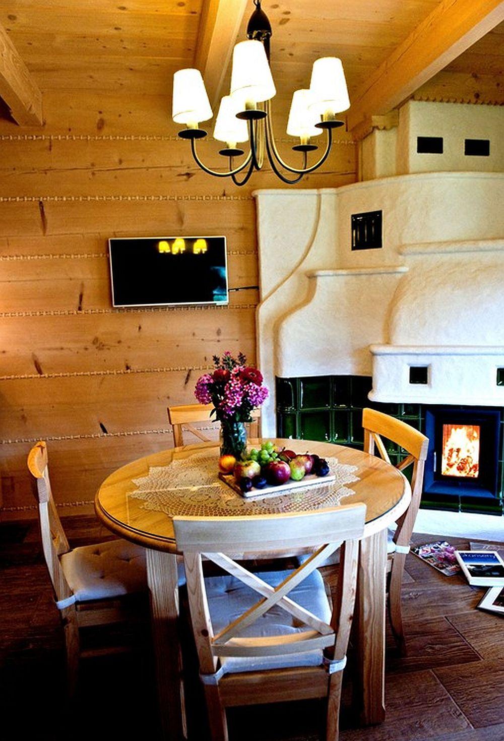 adelaparvu.com despre case rustice din busteni de lemn, case cu acoperis din stuf, case Polonia Osada Beskidzka (20)