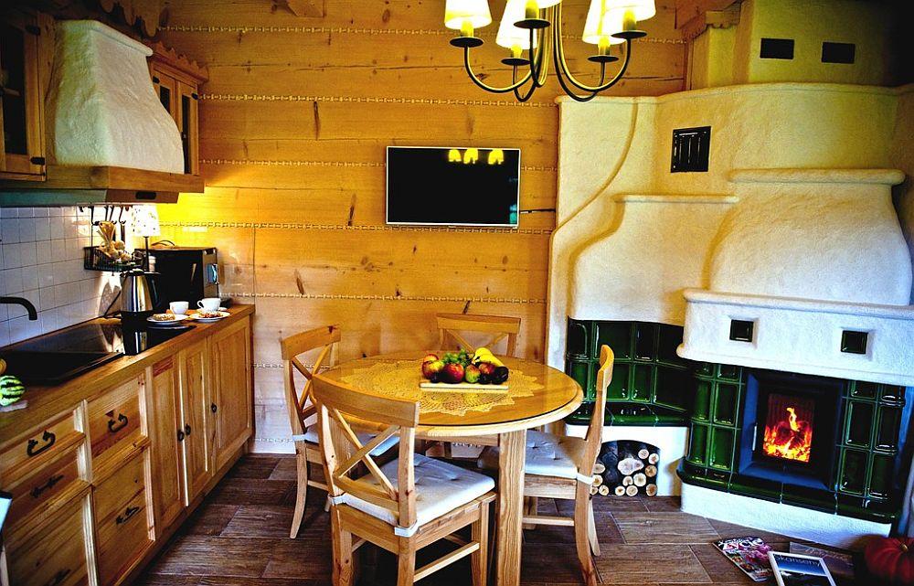 adelaparvu.com despre case rustice din busteni de lemn, case cu acoperis din stuf, case Polonia Osada Beskidzka (23)