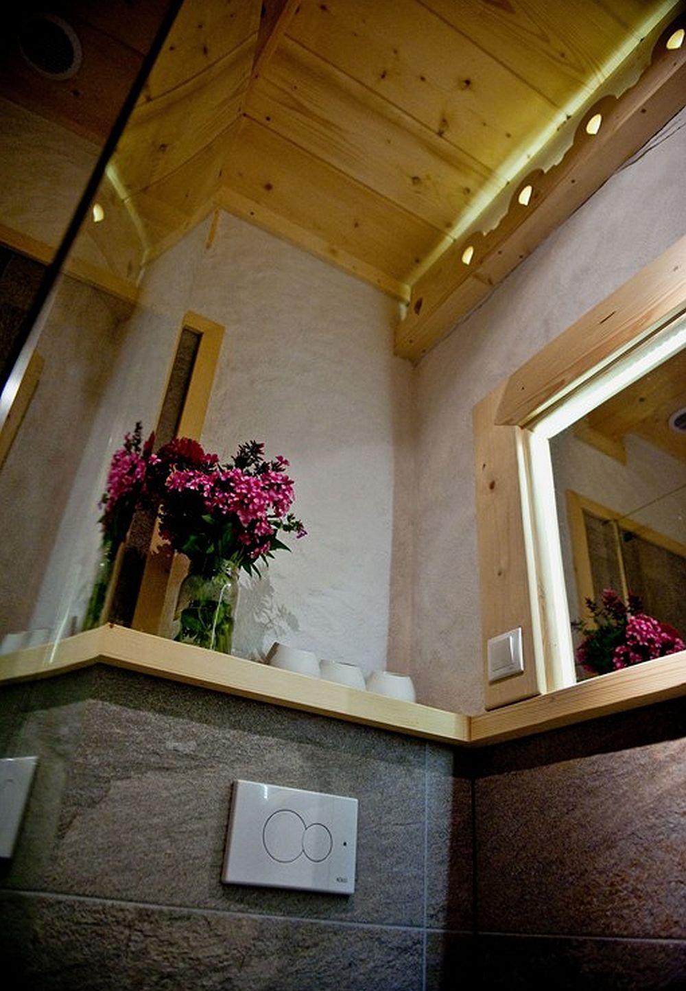 adelaparvu.com despre case rustice din busteni de lemn, case cu acoperis din stuf, case Polonia Osada Beskidzka (25)