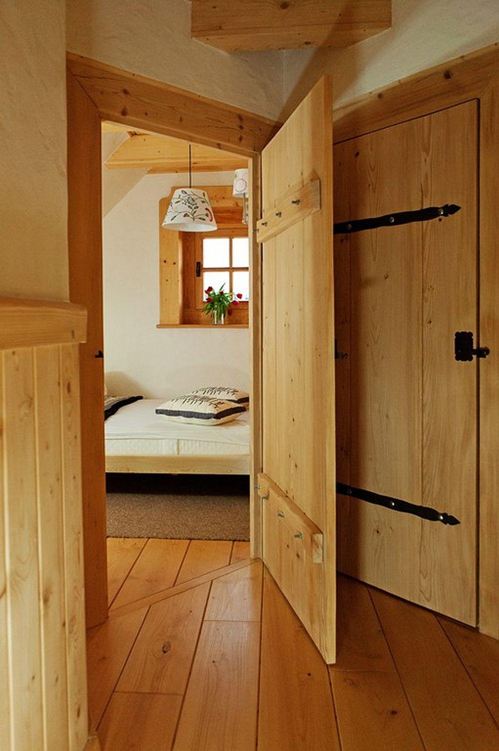 adelaparvu.com despre case rustice din busteni de lemn, case cu acoperis din stuf, case Polonia Osada Beskidzka (40)