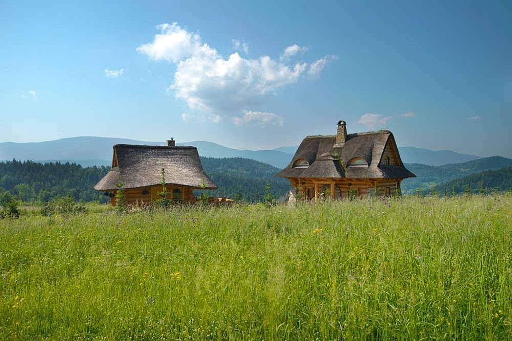 adelaparvu.com despre case rustice din busteni de lemn, case cu acoperis din stuf, case Polonia Osada Beskidzka (9)