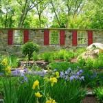 adelaparvu.com despre gradina frumoasa cu gard din piatra, gard ca fatada unei casei, design Slater Associates Landscape Architects