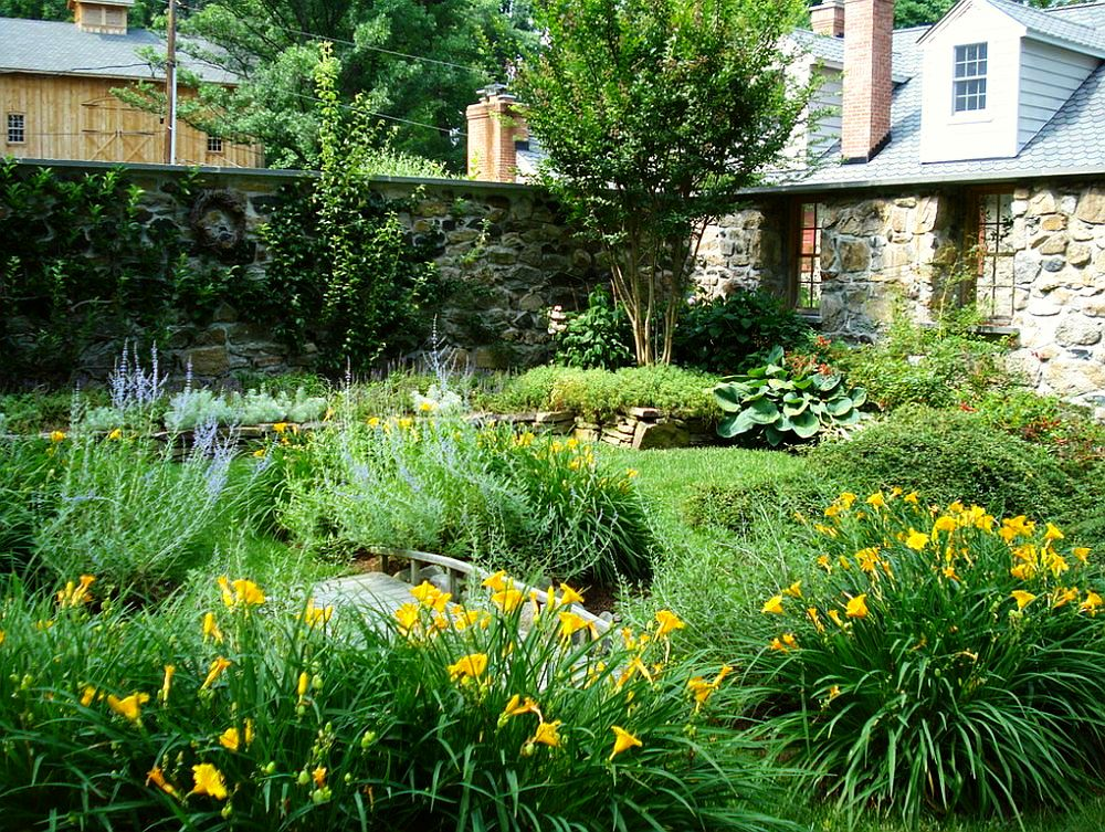 adelaparvu.com despre gradina frumoasa cu gard din piatra, gard ca fatada unei casei, design Slater Associates Landscape Architects (7)