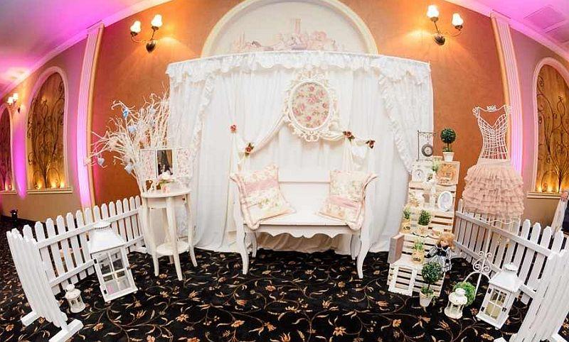 Piese de mobilier si decoratiuni de la Shabby Events