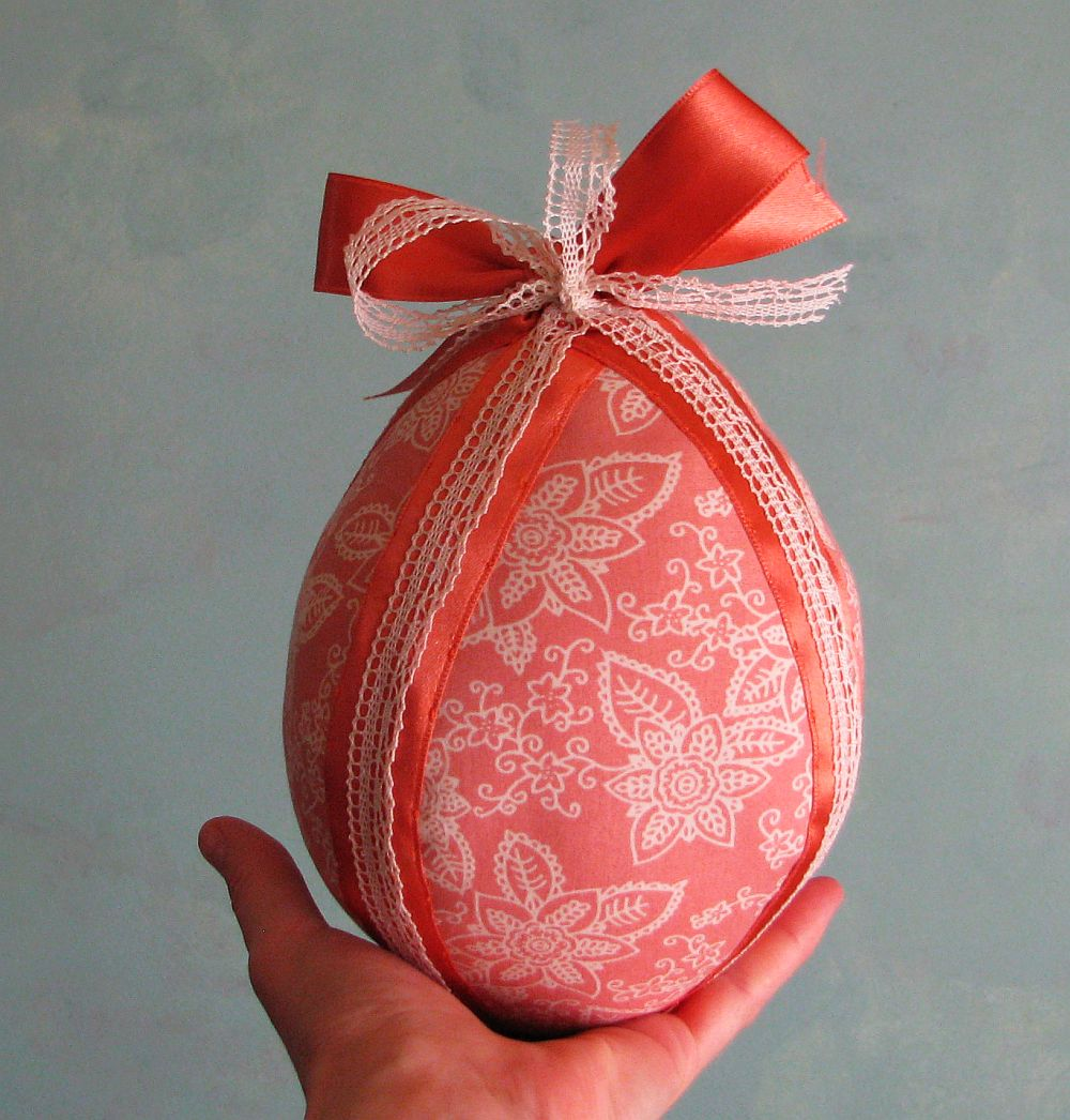adelaparvu.com despre oua de Paste si flori decorative din textile, designer Mihaela Poenaru (1)