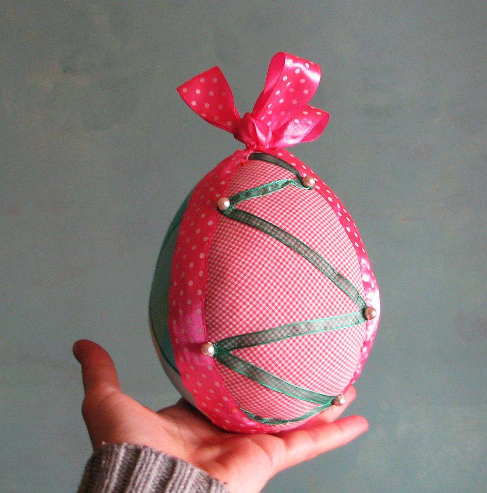 adelaparvu.com despre oua de Paste si flori decorative din textile, designer Mihaela Poenaru (16)