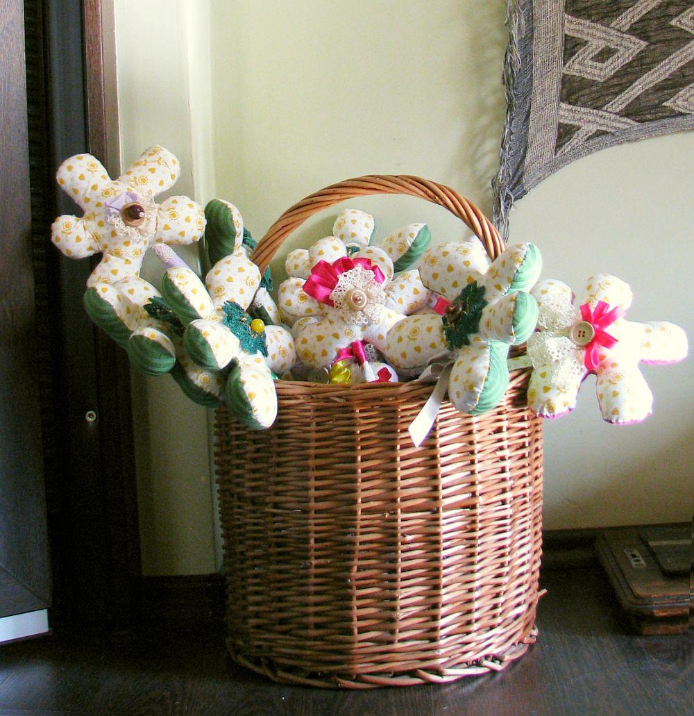 adelaparvu.com despre oua de Paste si flori decorative din textile, designer Mihaela Poenaru (9)
