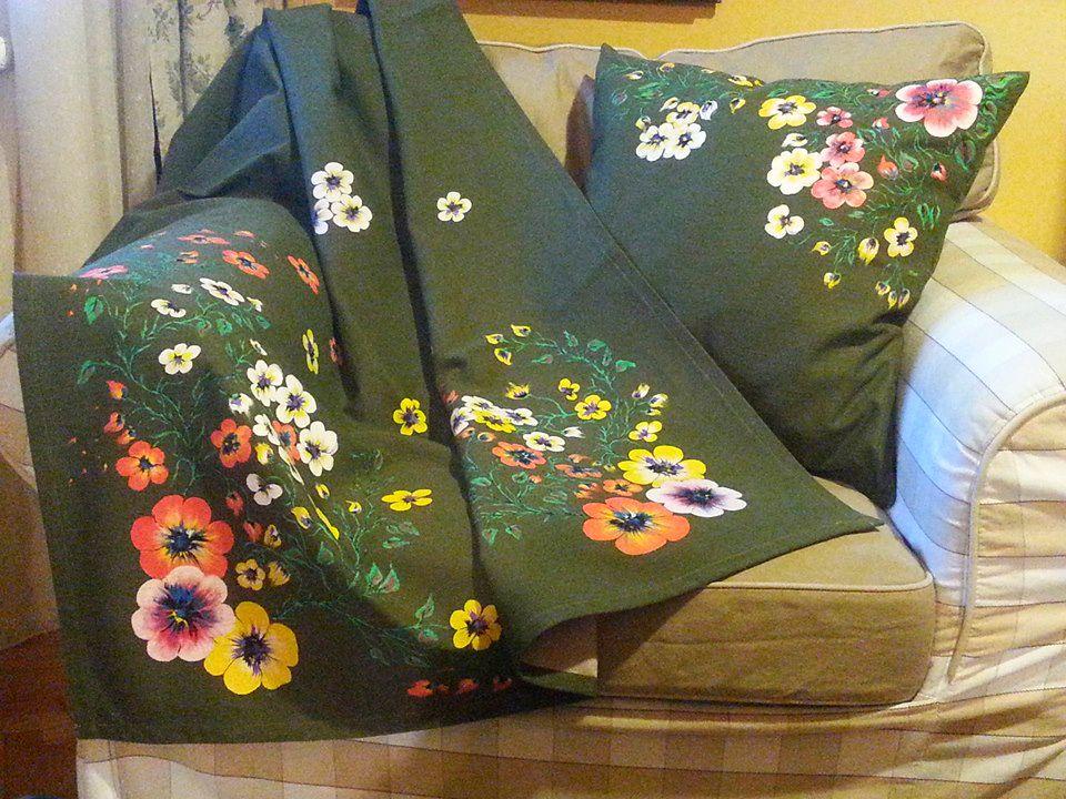 adelaparvu.com despre perne, cuverturi pictate manual, mobilier pictat manual, artist Roxana Sivache (3)