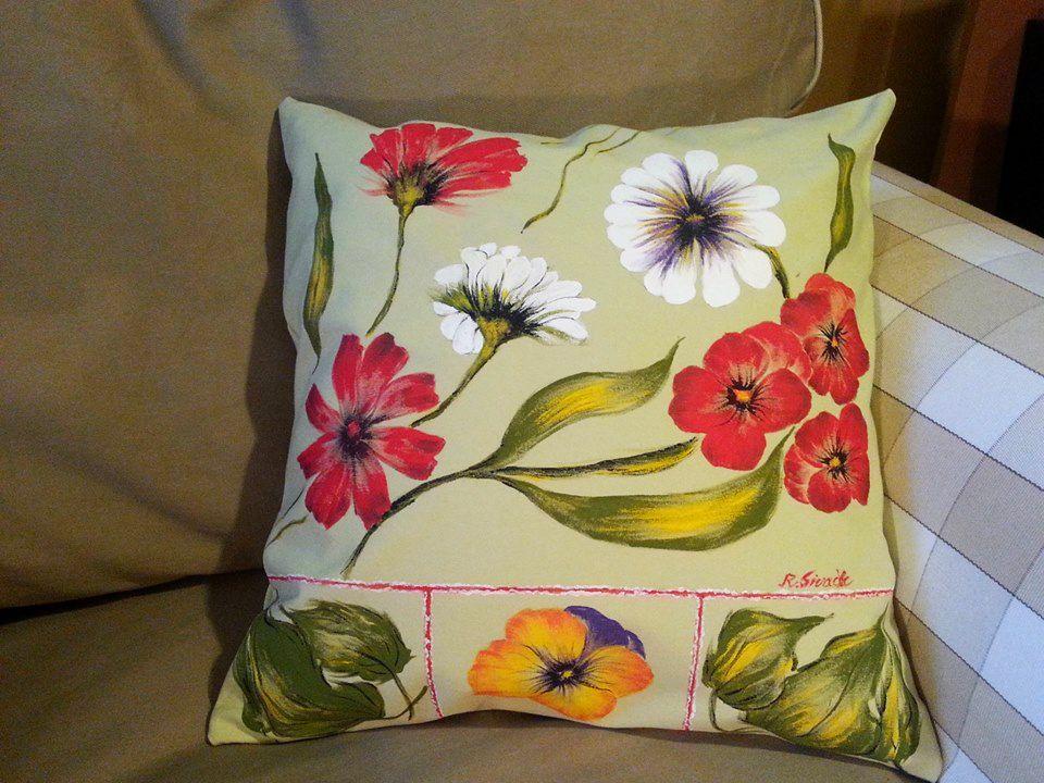 adelaparvu.com despre perne, cuverturi pictate manual, mobilier pictat manual, artist Roxana Sivache (6)