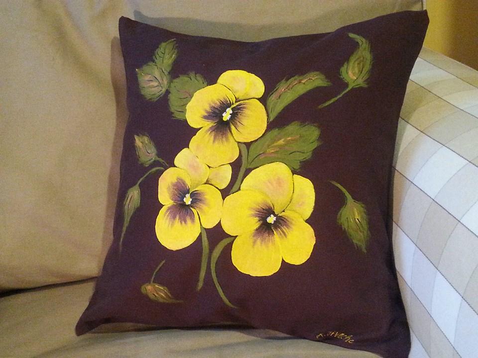 adelaparvu.com despre perne, cuverturi pictate manual, mobilier pictat manual, artist Roxana Sivache (9)