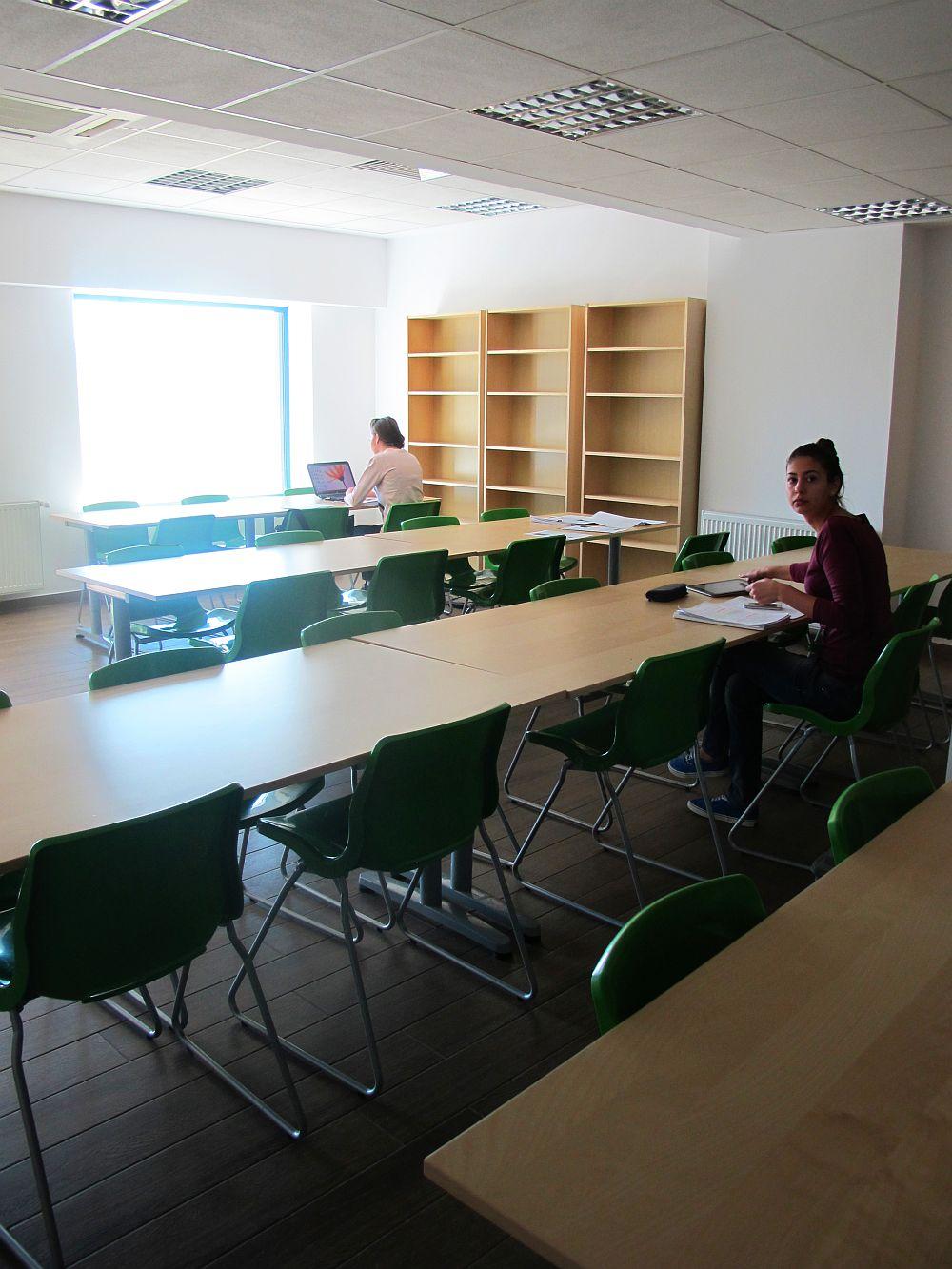 Una din salile de lectura din West Gate Studios