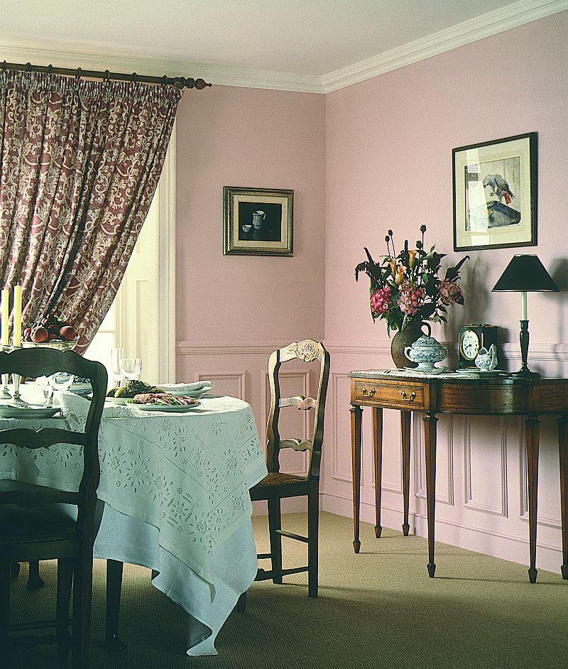adelaparvu.com despre roz pastelat in living, pereti roz in living (1)