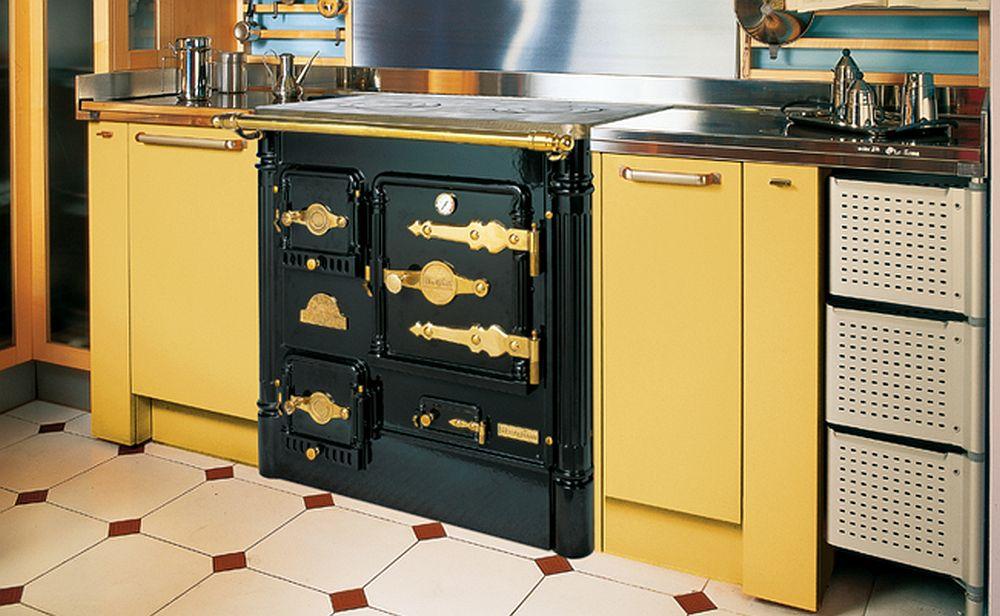 adelaparvu.com despre sobe de gatit pe lemne, cuptoare pe lemne, sobe de incalzit cu lemne Hergom (6)