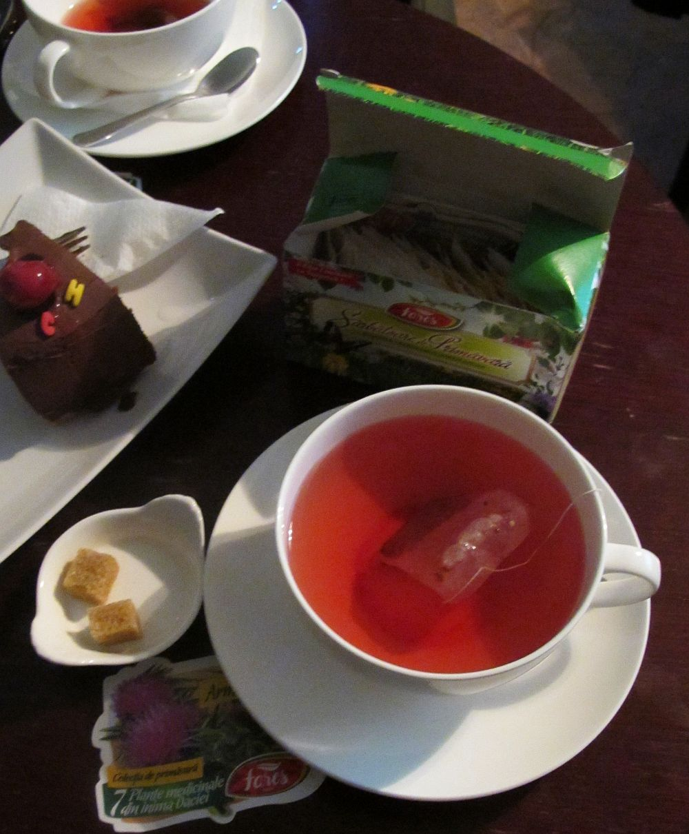 adelaparvu.com despre traditia plantelor medicinale romanesti Orastie, ceaiuri Fares (2)