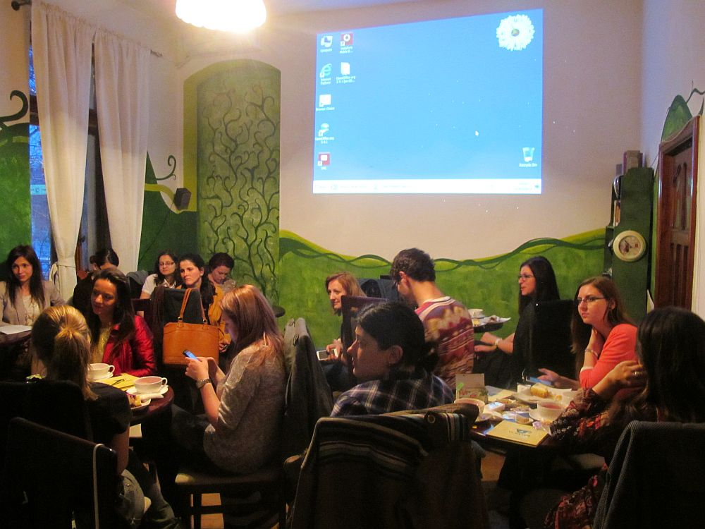 La intalnirea cu bloggeritele organizata de Fares la ceainaria La un ceai din Bucuresti