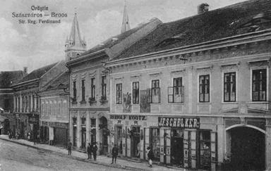 """Farmacia """"La Leul de Aur"""" Orastie, Foto arhiva Fares"""