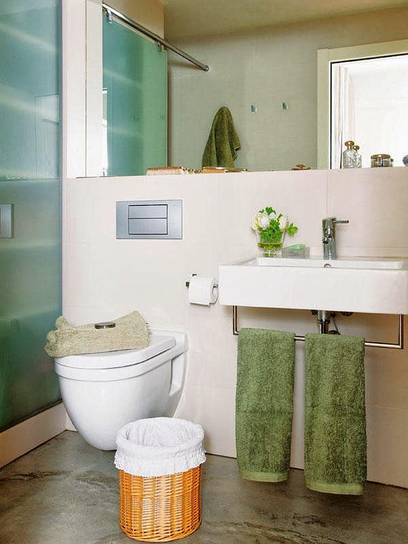 adelaparvu.com locuinta cu decoratiuni rosii, baie moderna cu wc suspendat, Foto Mauricio Fuertes, Casa Diez (6)