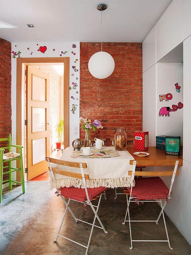 adelaparvu.com locuinta cu decoratiuni rosii, bucatarie cu pereti din caramdia aparenta si pardoseala ciment, Foto Mauricio Fuertes, Casa Diez (3)