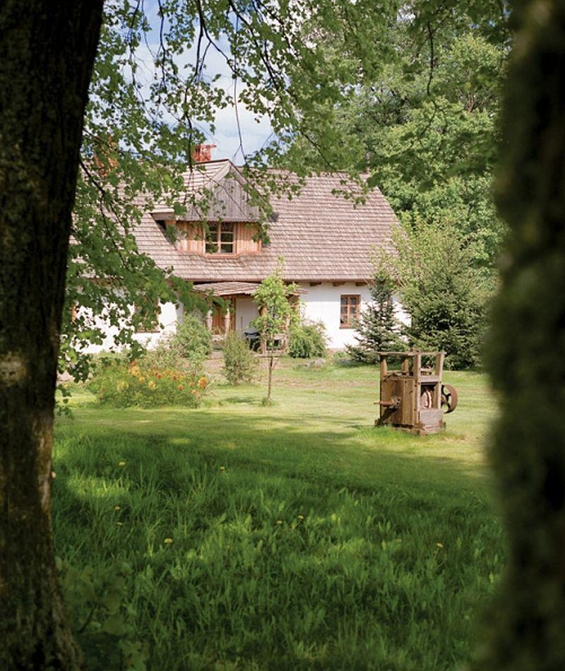 adelaparvu.com casa rustica, casa la tara, casa Polonia, casa cu berze, Foto Michal Skorupski (1)