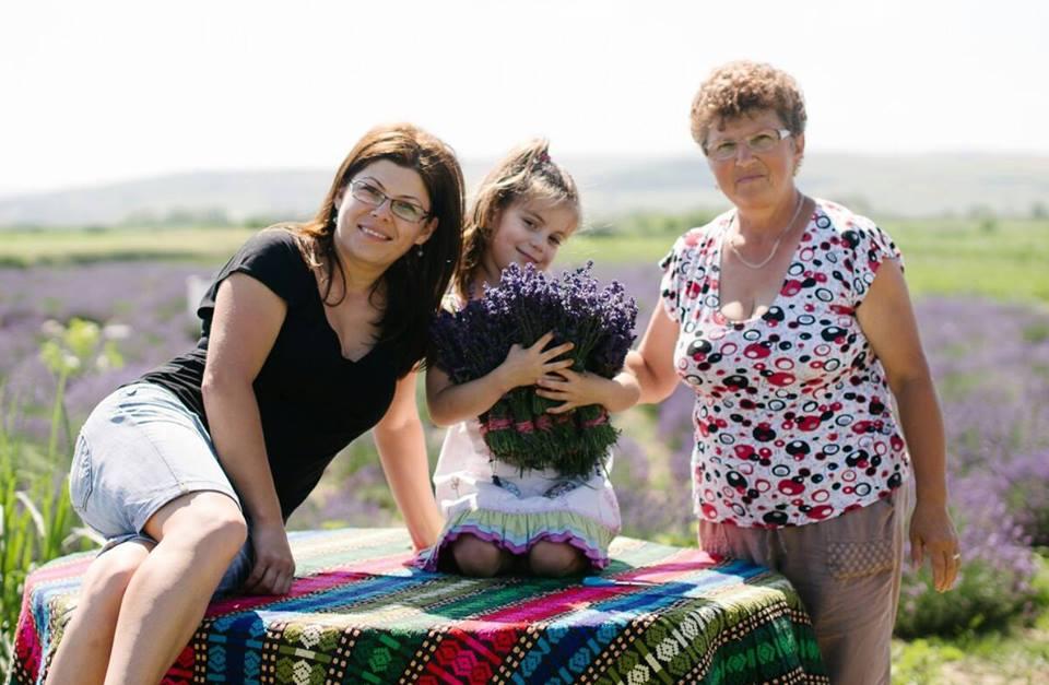 Anca Șerpar, fiica ei Alesia și mama ei Lola
