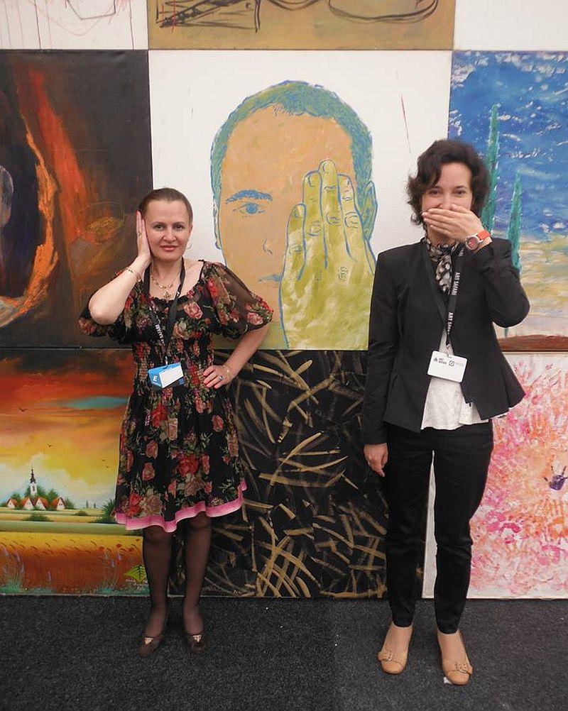 Pictorița Mirela Trăistaru alaturi de Bogdana Contras de la SensoTv