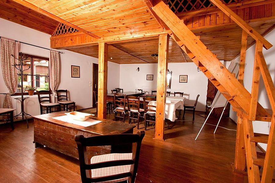 adelaparvu.com despre Casa Altringen, pensiune rustica Romania, interior design Cass Design (1)