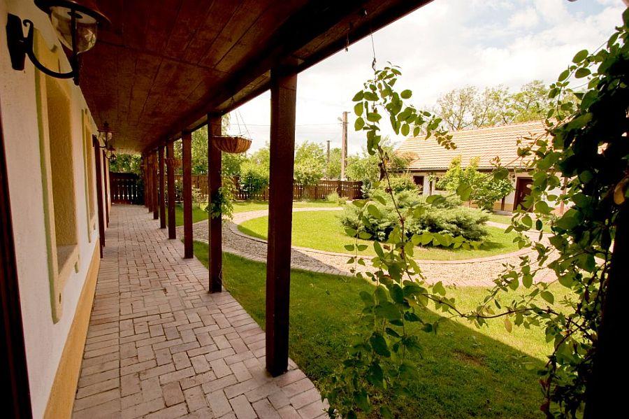 adelaparvu.com despre Casa Altringen, pensiune rustica Romania, interior design Cass Design (11)