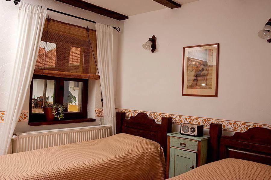 adelaparvu.com despre Casa Altringen, pensiune rustica Romania, interior design Cass Design (16)
