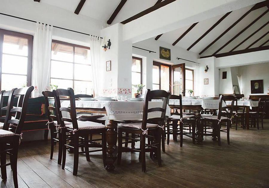 adelaparvu.com despre Casa Altringen, pensiune rustica Romania, interior design Cass Design (21)