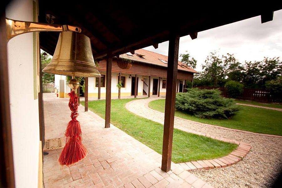 adelaparvu.com despre Casa Altringen, pensiune rustica Romania, interior design Cass Design (37)
