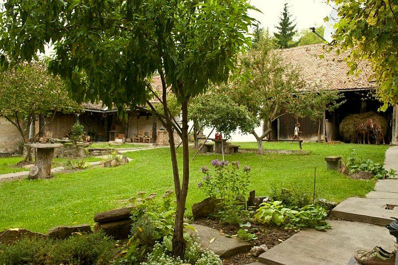 adelaparvu.com despre Casa Noah, casa de oaspeti Richis, Romania, guesthouse, bedandbreakfast Richis, Romania (1)
