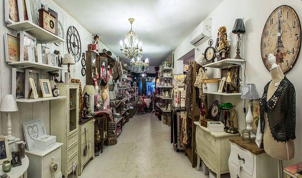 adelaparvu.com despre English Cottage, magazin in container, Pop Up Bucharest strada Selari (1)