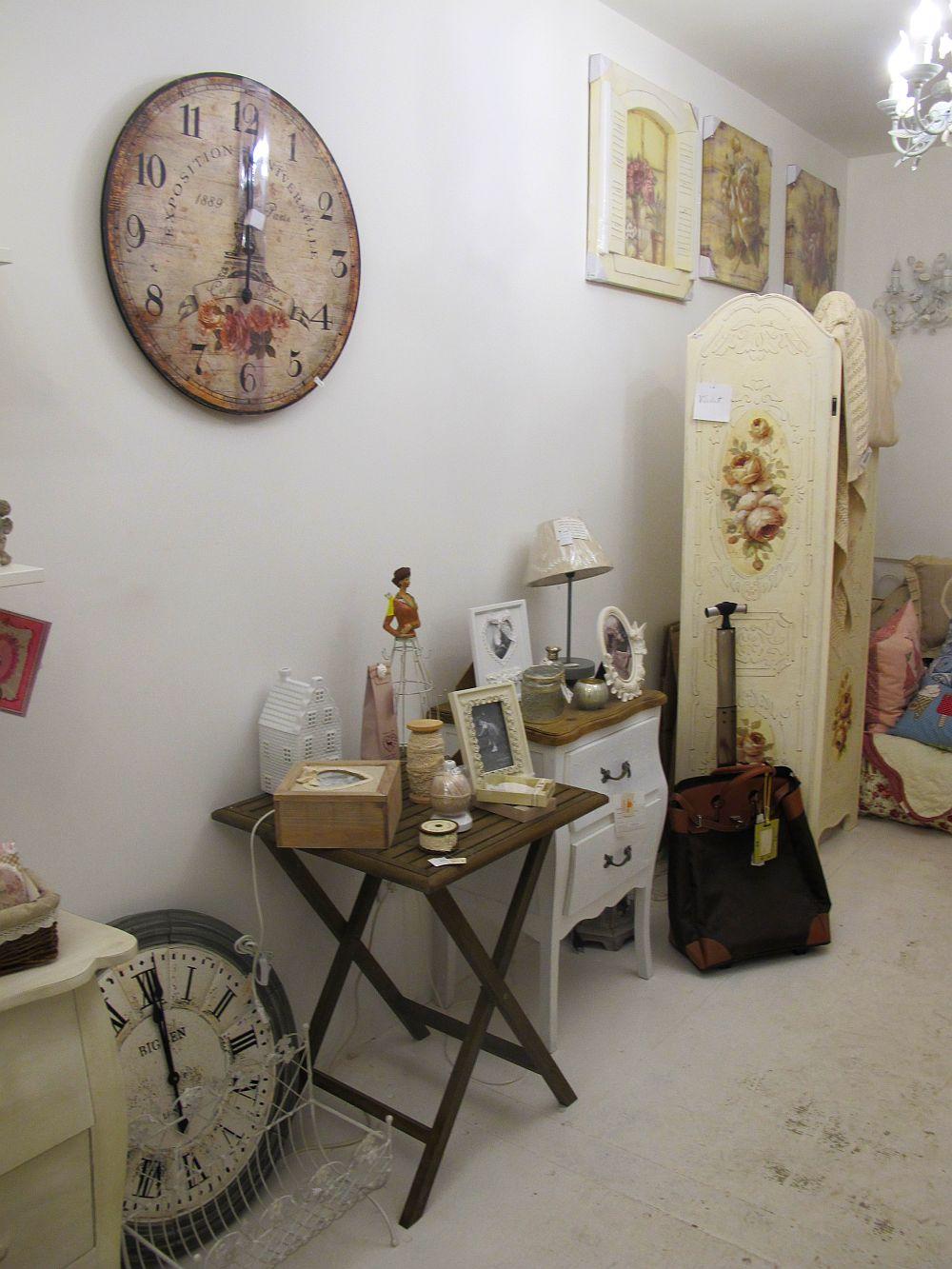 adelaparvu.com despre English Cottage, magazin in container, Pop Up Bucharest strada Selari (12)
