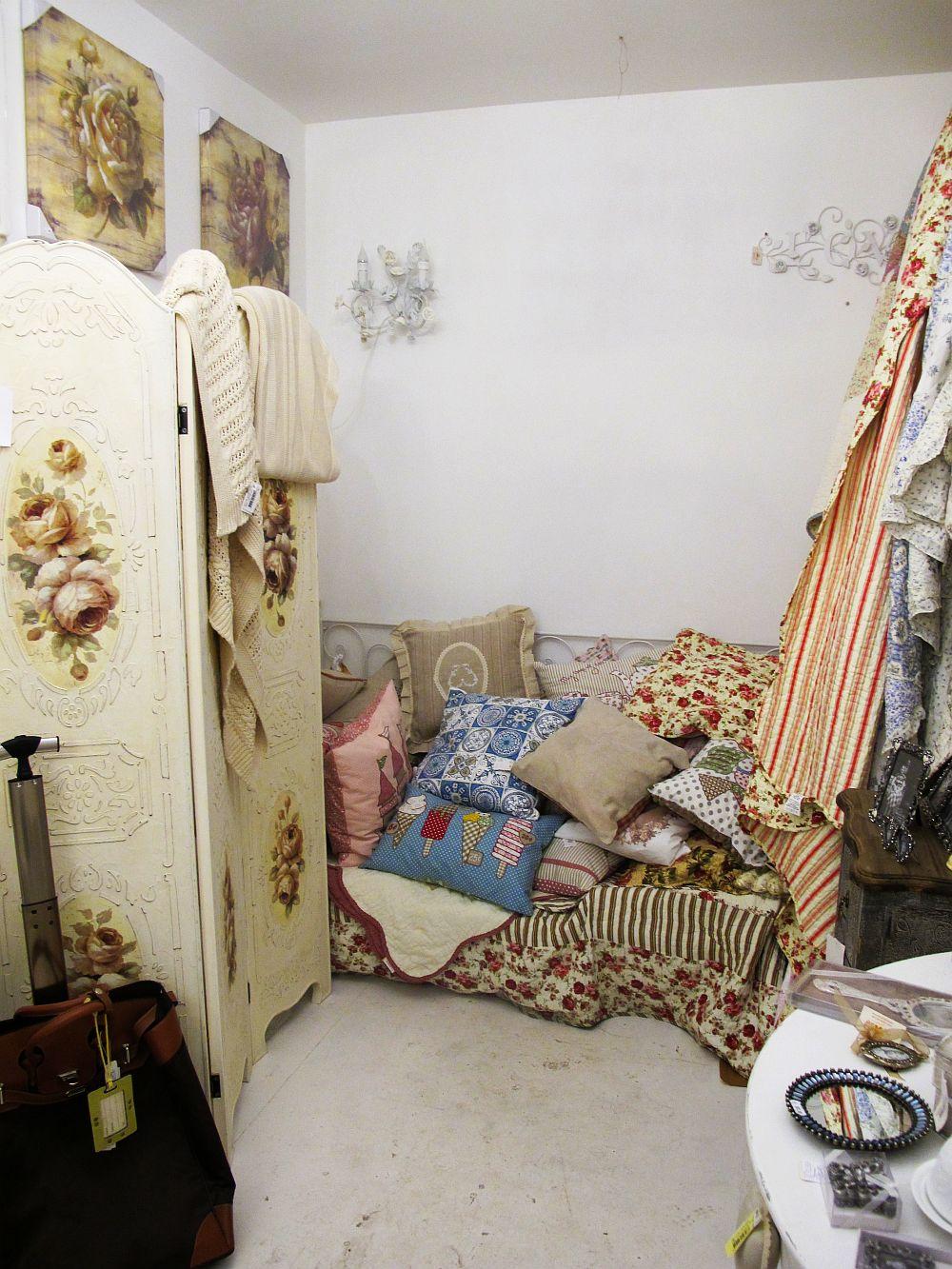 adelaparvu.com despre English Cottage, magazin in container, Pop Up Bucharest strada Selari (14)