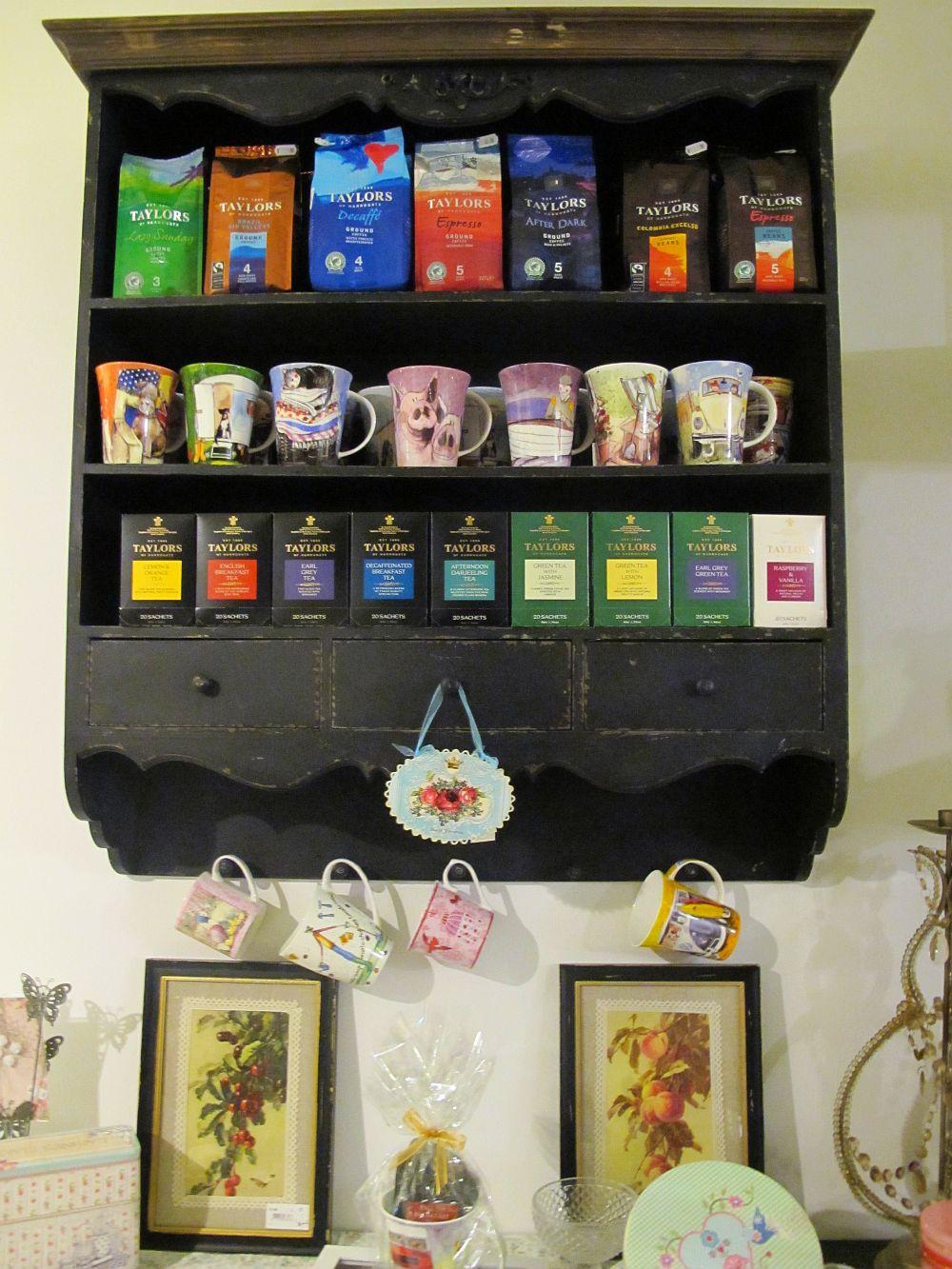 adelaparvu.com despre English Cottage, magazin in container, Pop Up Bucharest strada Selari (17)