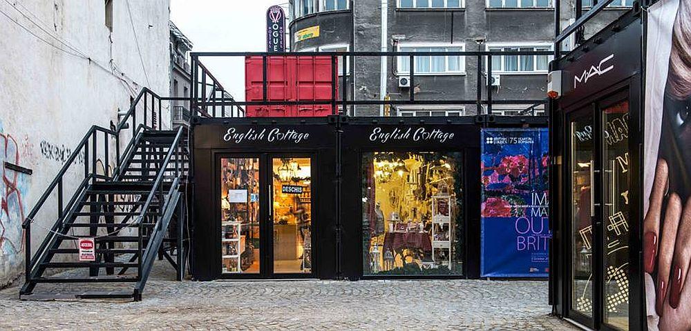 magazin de mobil i decora iuni ntr un container da chiar n centrul vechi al capitalei. Black Bedroom Furniture Sets. Home Design Ideas