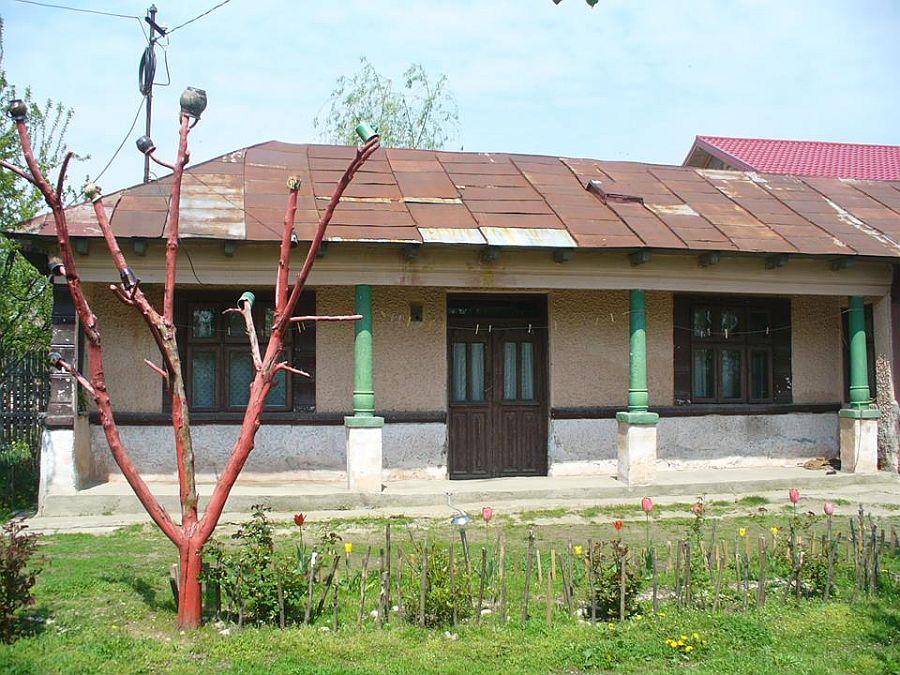 Casa parintilor lui Mihai inainte de renovare
