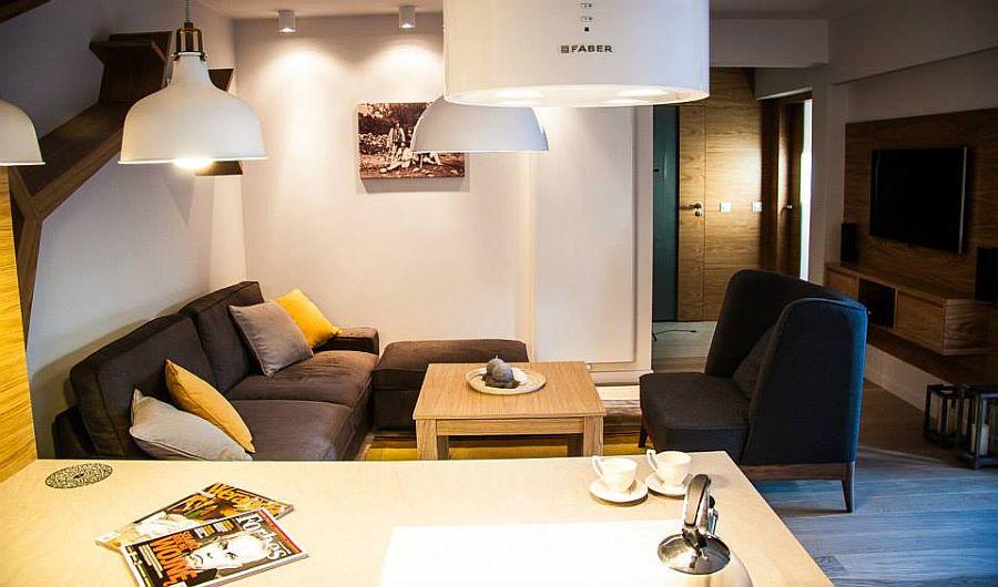 adelaparvu.com despre apartament de doua camere cu finisaje din lemn, design Studio Formy (1)