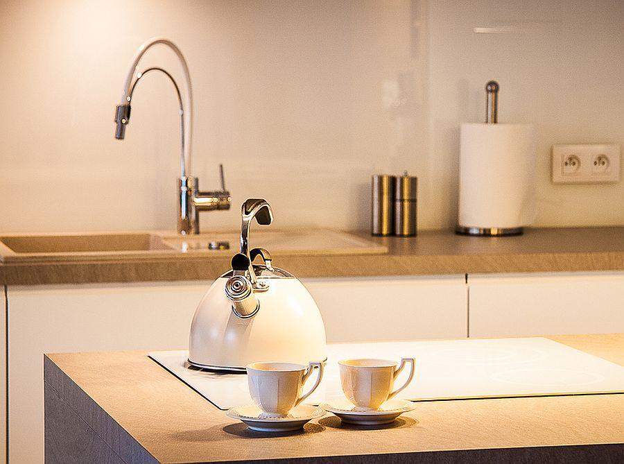 adelaparvu.com despre apartament de doua camere cu finisaje din lemn, design Studio Formy (10)