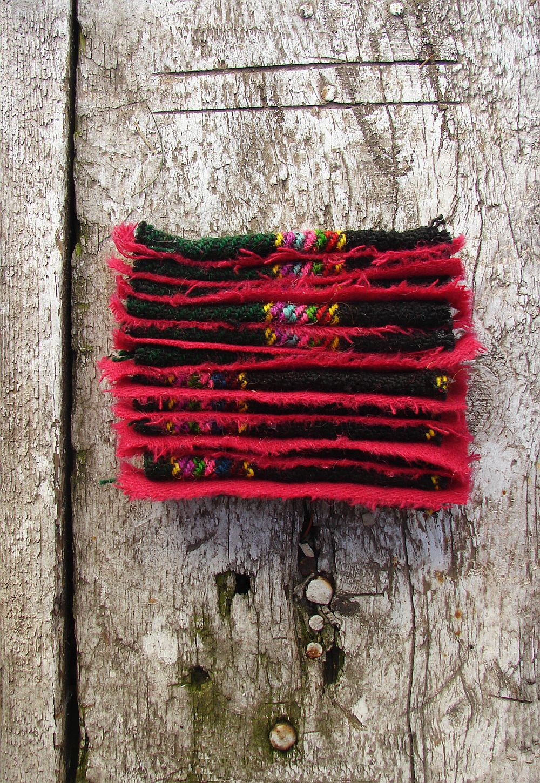 Artist Dorina Horatau, asamblaj, tesatura din lana si lemn invechit