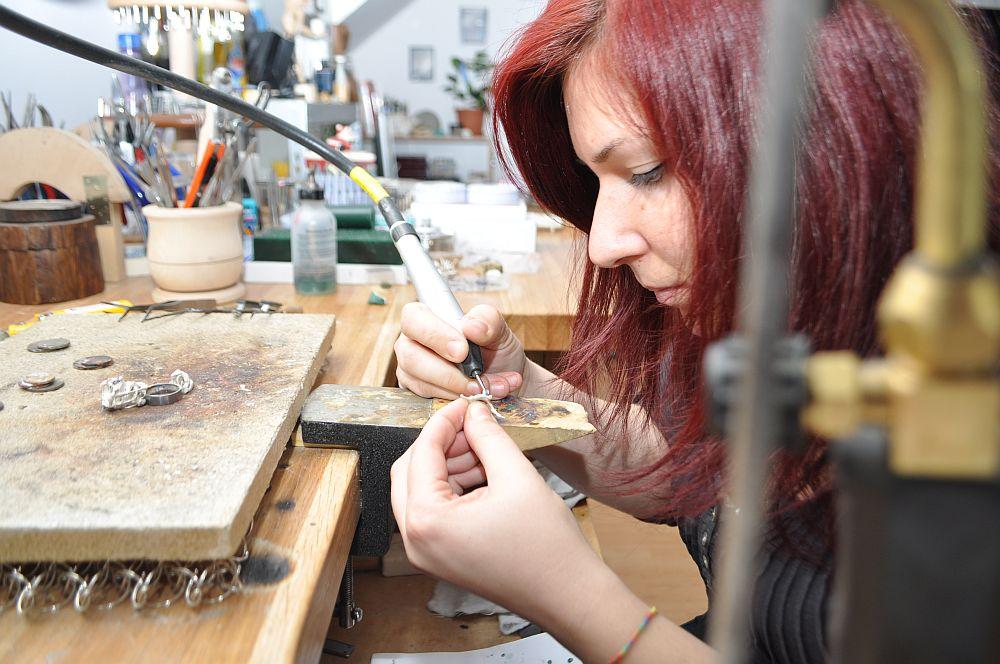 adelaparvu.com despre atelier de designer de bijuterii, designer Anamaria Dobras, DDJewelery (4)