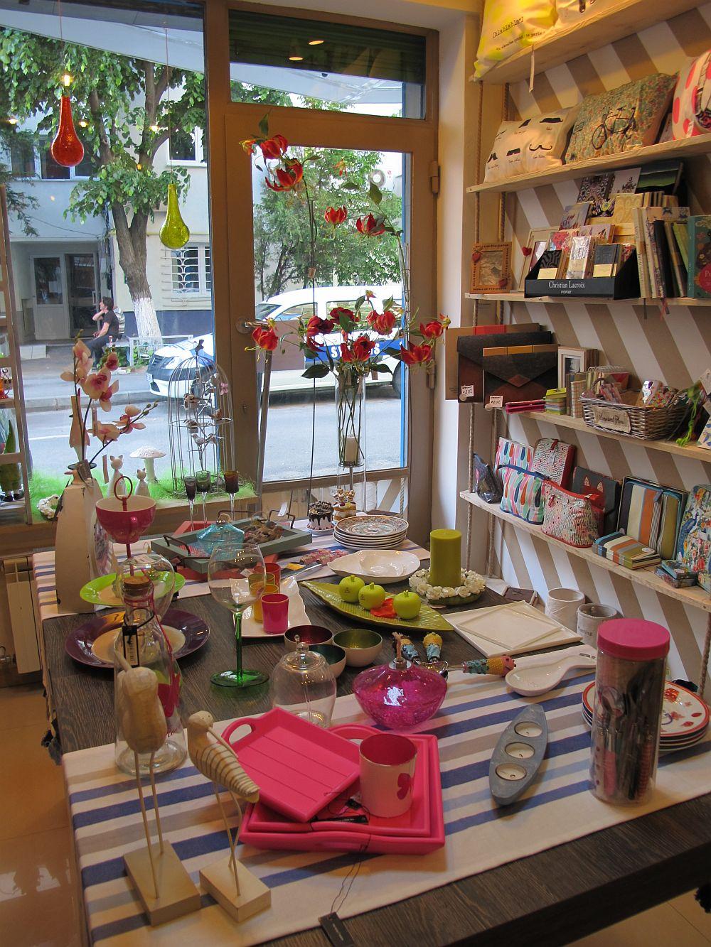 adelaparvu.com despre cadouri colorate si decoratiuni colorate in Bucuresti, Clou Boutique (3)