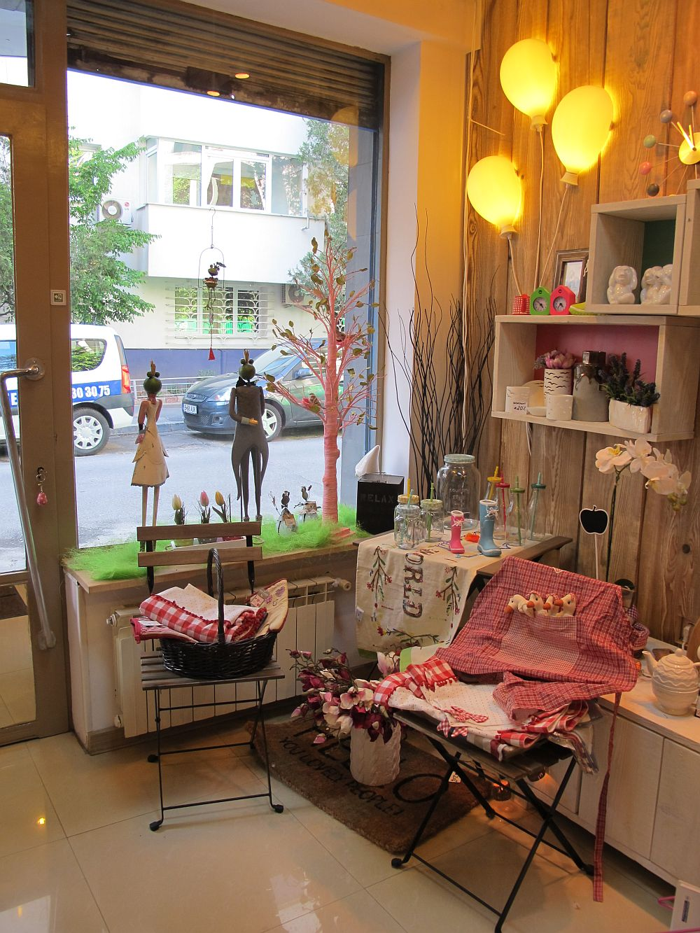 adelaparvu.com despre cadouri colorate si decoratiuni colorate in Bucuresti, Clou Boutique (7)