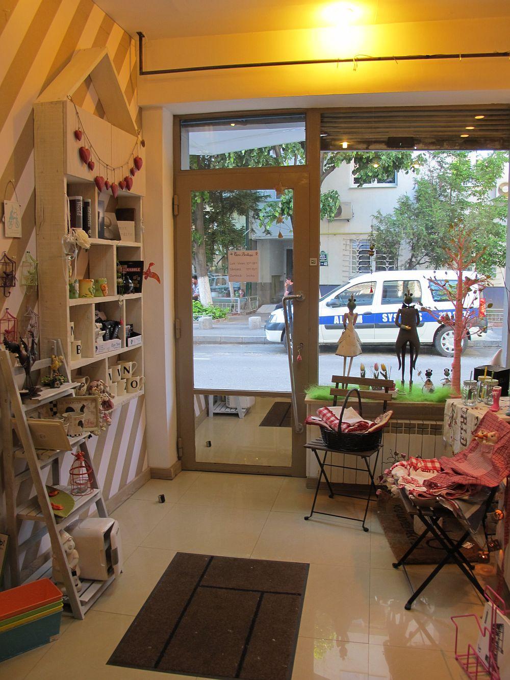 adelaparvu.com despre cadouri colorate si decoratiuni colorate in Bucuresti, Clou Boutique (8)