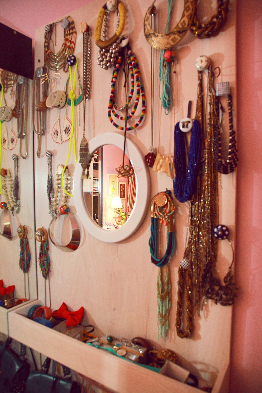 adelaparvu.com despre camera de tineret 16 mp, camera Raisei dormitor si loc de birou, design Alia Bakutayan si Daniel Tufis, Foto Valdecor (12)