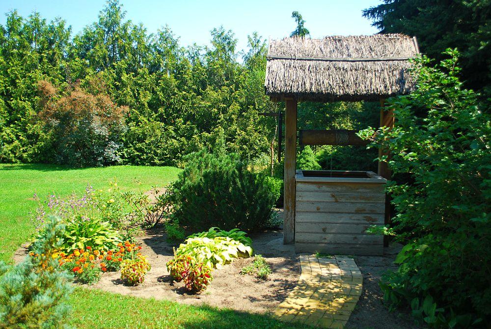 adelaparvu.com despre casa cu acoperis din stuf, casa in Ungaria, casa de vacanta, Foto Bungalow Net (11)